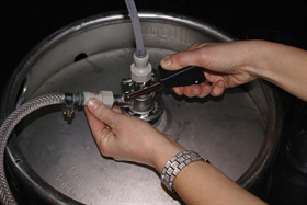 1. Take off the regulator by lifting the handle and turn the regulator.